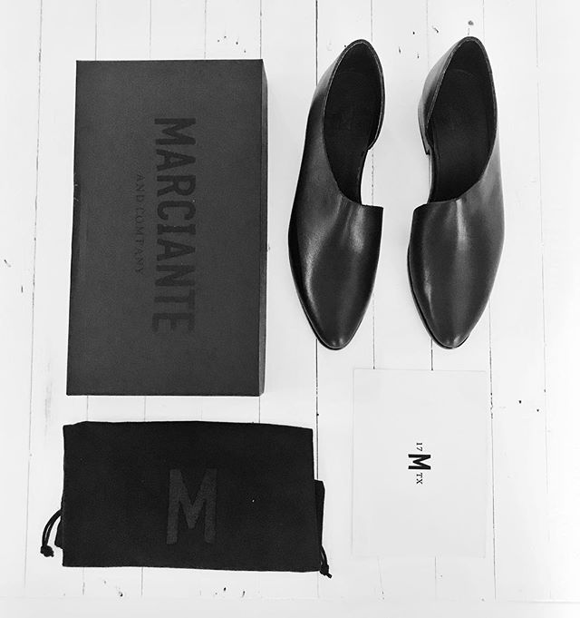 This. Just. Happened. EEEEK!!!! I'm in 🖤 with my new @marcianteandco  shoes!!!!!!!!!