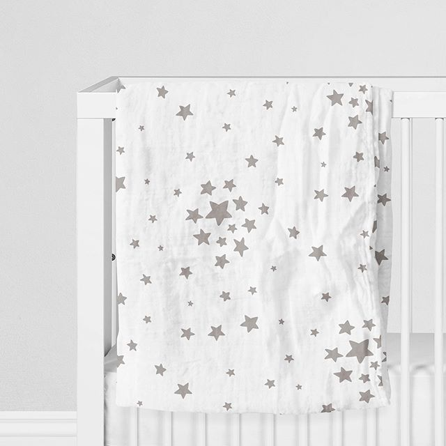 I have been a busy little elf, designing baby blankets and all sorts of fun goodies...whatchu think?! ✨⭐️✨🌟✨