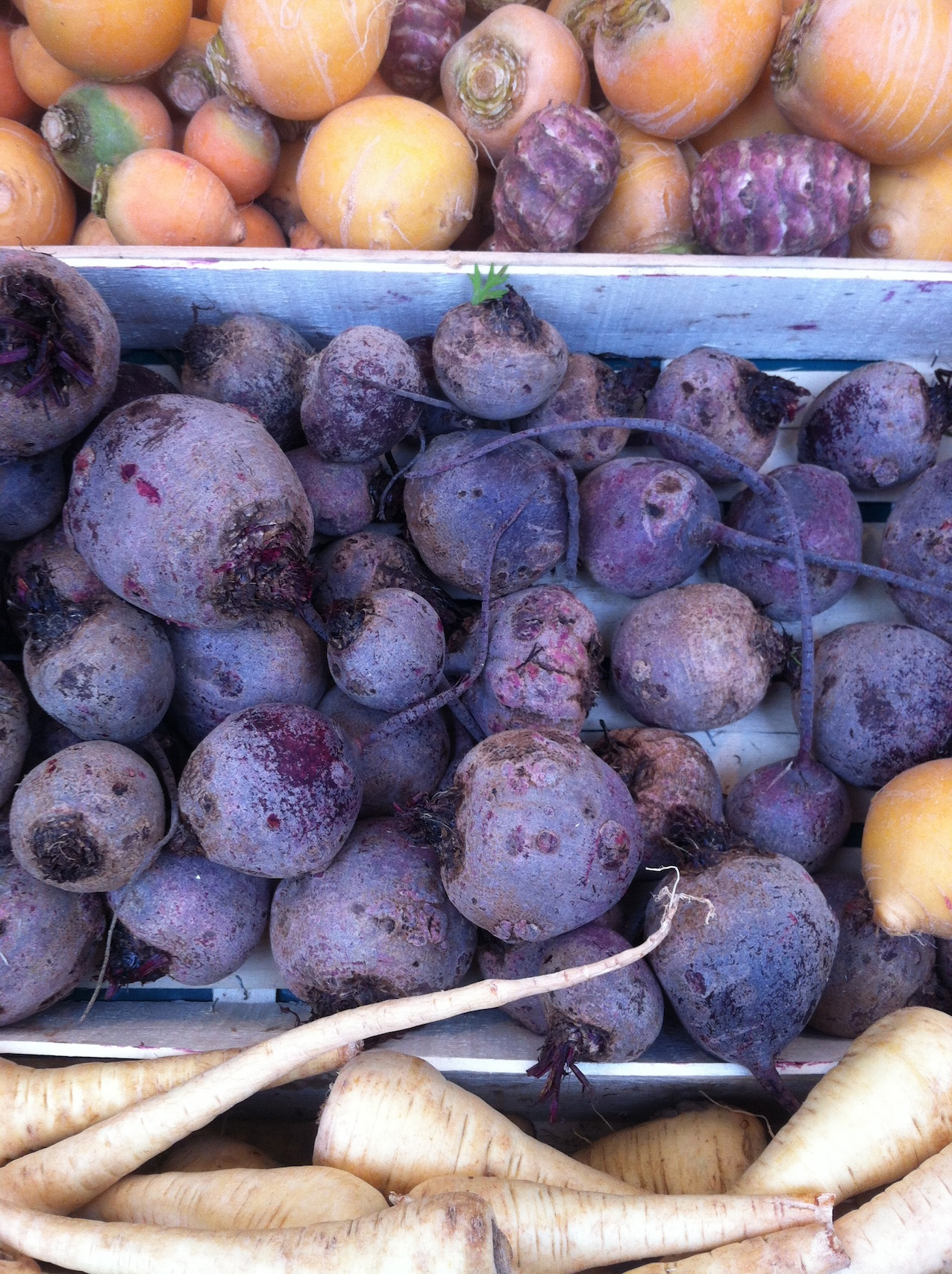 Raw beets at Marché Monge