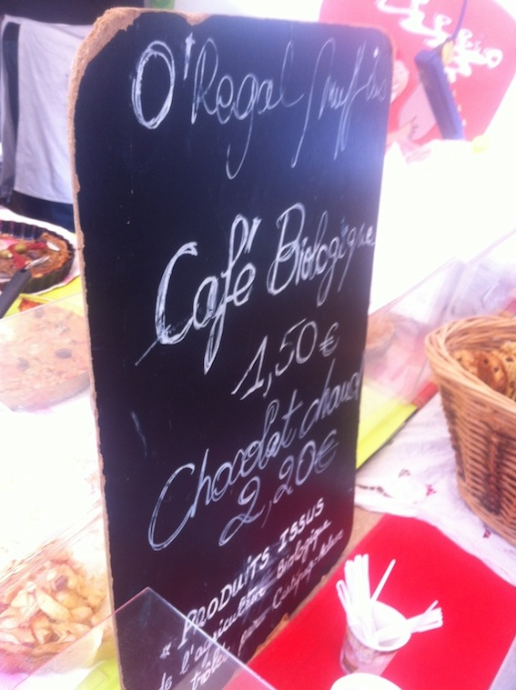 O'Regal stand at Marché Raspail, where you'll find muffins, chocolat chaud, and organic coffee