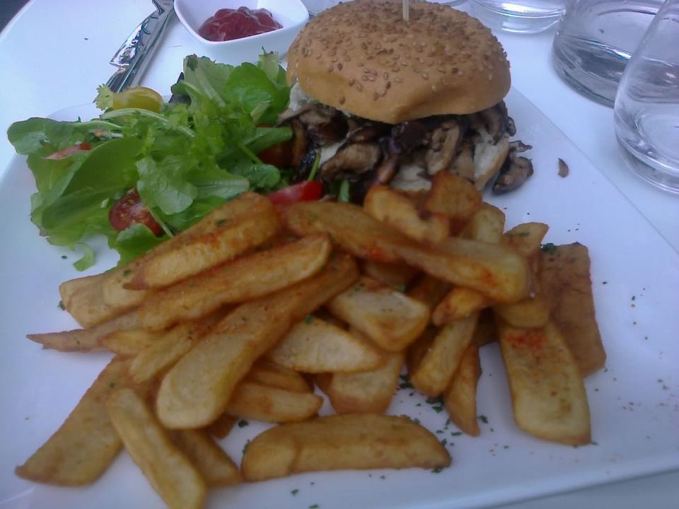 Vegan burger and fries at the Gentle Gourmet (75012)