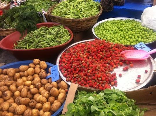 Fresh produce at Istanbul's Inebolu market