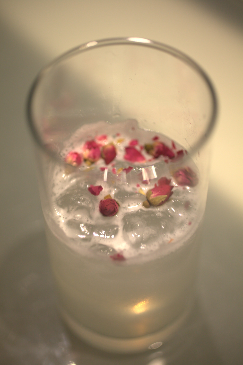 Cocktail with dried roses