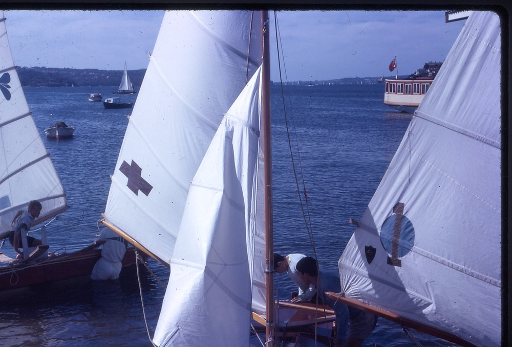 DBSC sailors leaving the beach next to the clubhouse. Photo by Arthur Lowndes