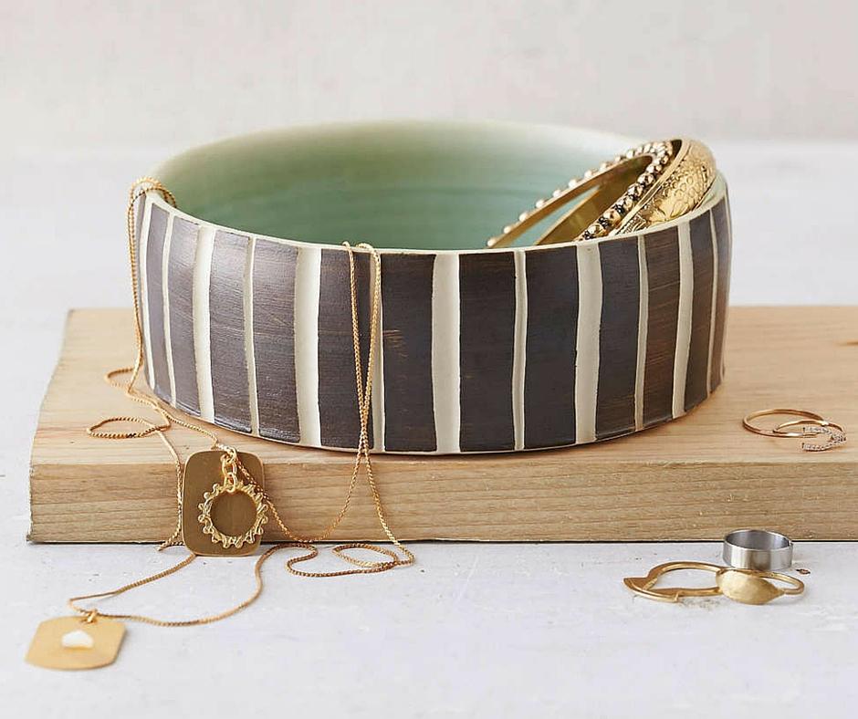 Miska/podstawka na biżuterię:  urbanoutfitters.com
