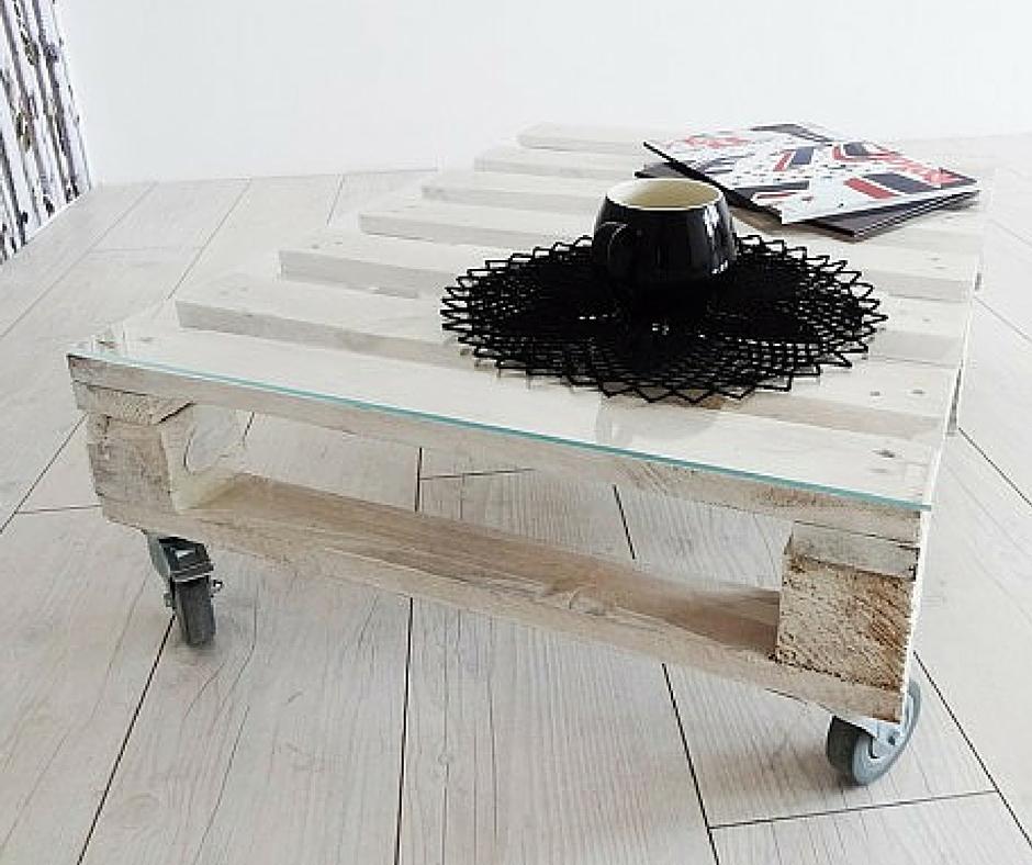 stolik na kołach:  youartme.com