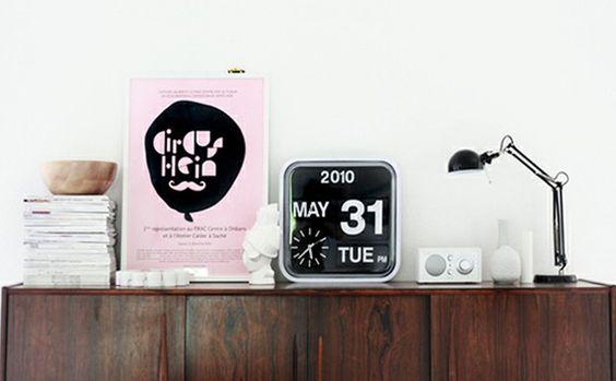 Zegar z kalendarzem:  9design.pl