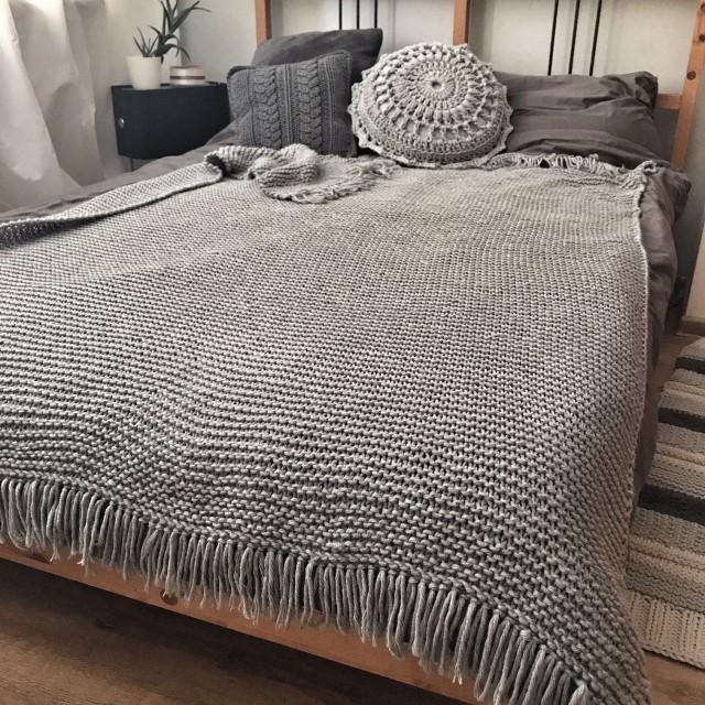 Koc/narzuta: knittingfactory.pl