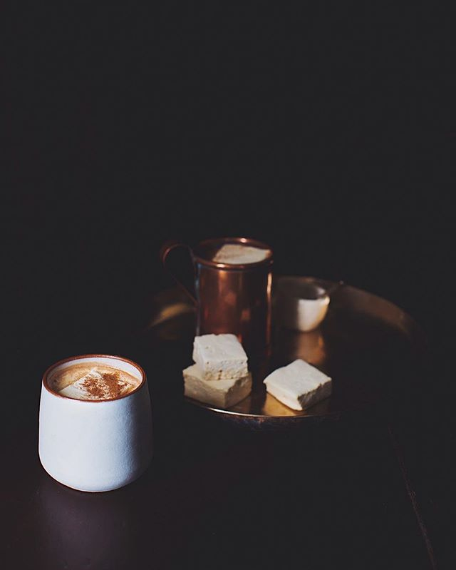 Snowy Monday morning calls for a cup of hot coco☕️❄️