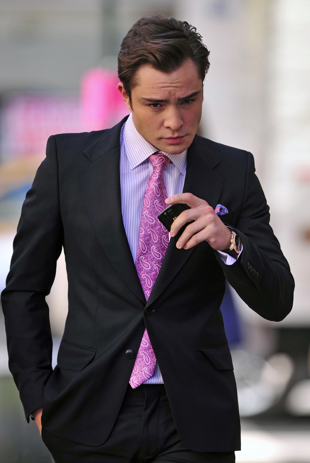 ed-westwick-films-gossip-girl-in-nyc-6.jpg
