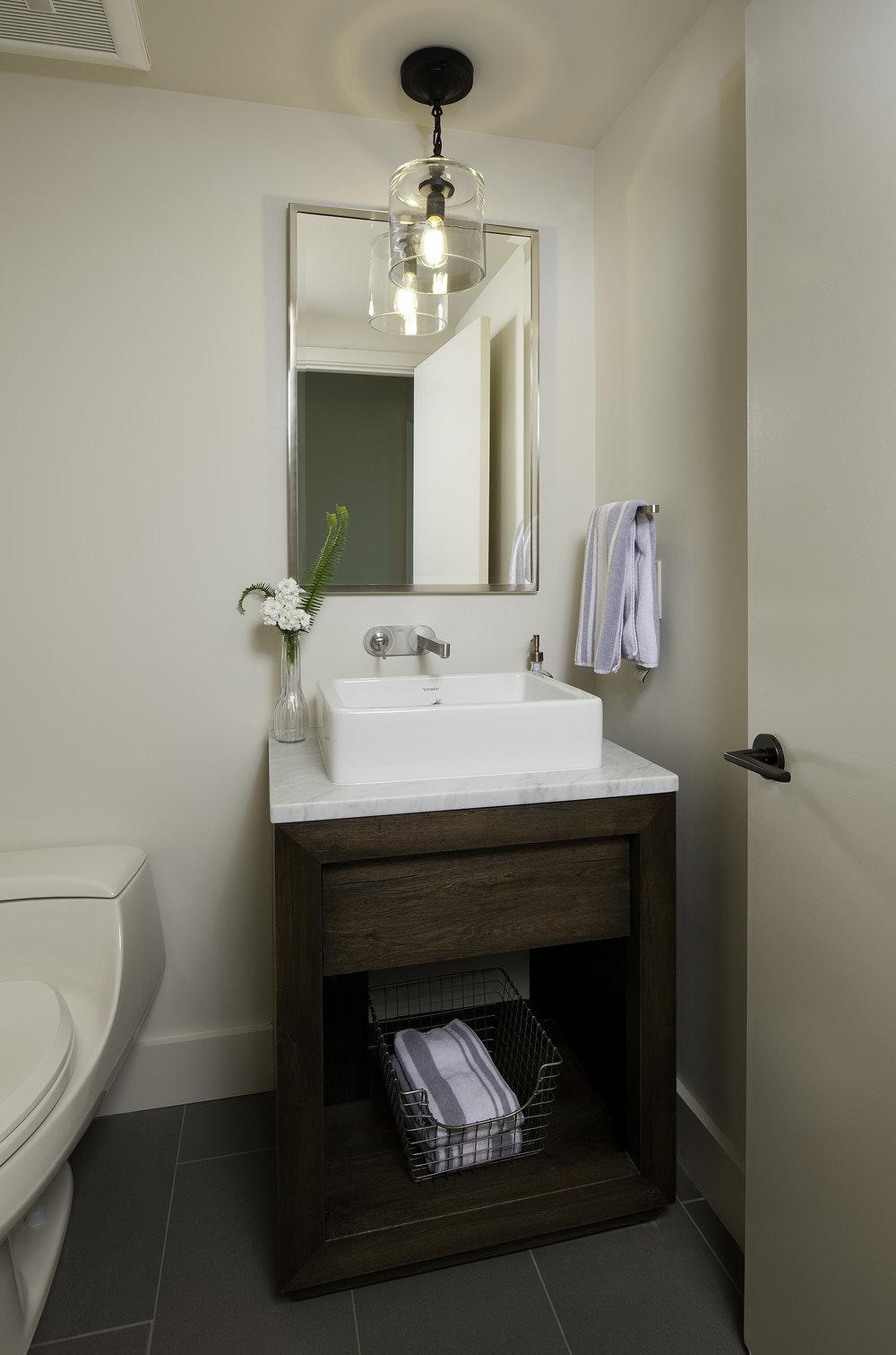 cadobathroom3.jpg