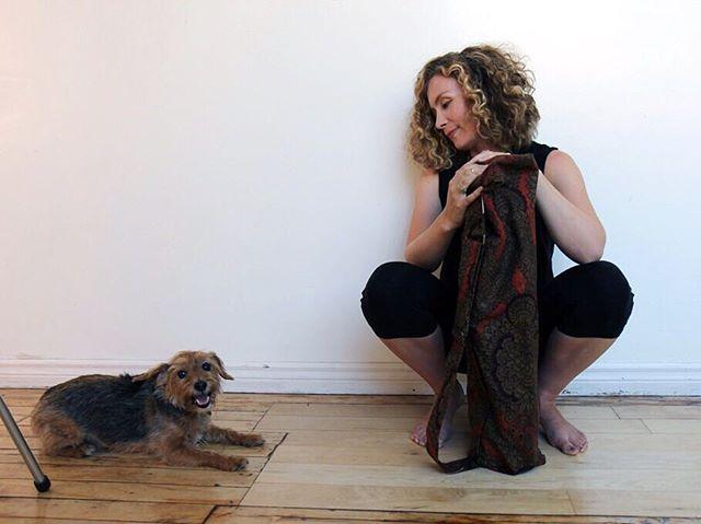 Our photo shoots always go smoothly when #rorycalhounthedog is on set. 🙏🏽 @pearheiress thank you for being so much fun to work with 😘💕 . . . #modernyogi #yogaeverywhere #madeintoronto #samyogato #slowfashion #yogaoffthemat #liveyouryoga #ethicalfashion #offthemat #samyoga #modernyoga #simplicity #thisisyoga #yogalife #smallbatch #yogalove #yogacommunity #yogafam #carryyourpractice #torontoyogacommunity #yogamatbag #yogabag #spiritualgangster #myyogalife #yogagirl #joyfulmovement #yogatoday #yoganow #downdog