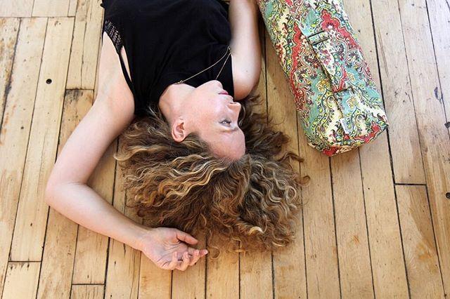 Daydreaming of getting to our next yoga class . . . #yogaoffthemat #samyogato #spiritualgangster #modernyogi #selfcareisagift #selfcareeveryday #yogalove #smallbatch #samyoga #liveyouryoga #yogacommunity #yogaeverywhere #yogafam #modernyoga #carryyourpractice #yogagirl #yogatoday #thisisyoga #thisisyoga #torontoyogacommunity #yogamatbag #yoganow #myyogalife #yogalover #yogainspiration #yogaaccessories #onthemat
