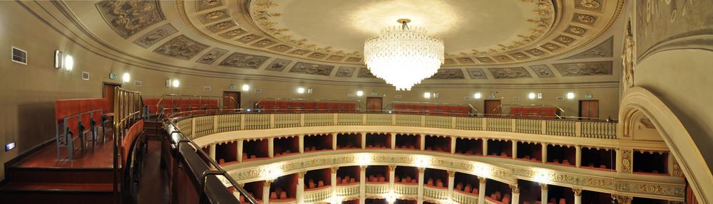 Teatro Metastasio, panoramica loggione, foto di Marco Badiani