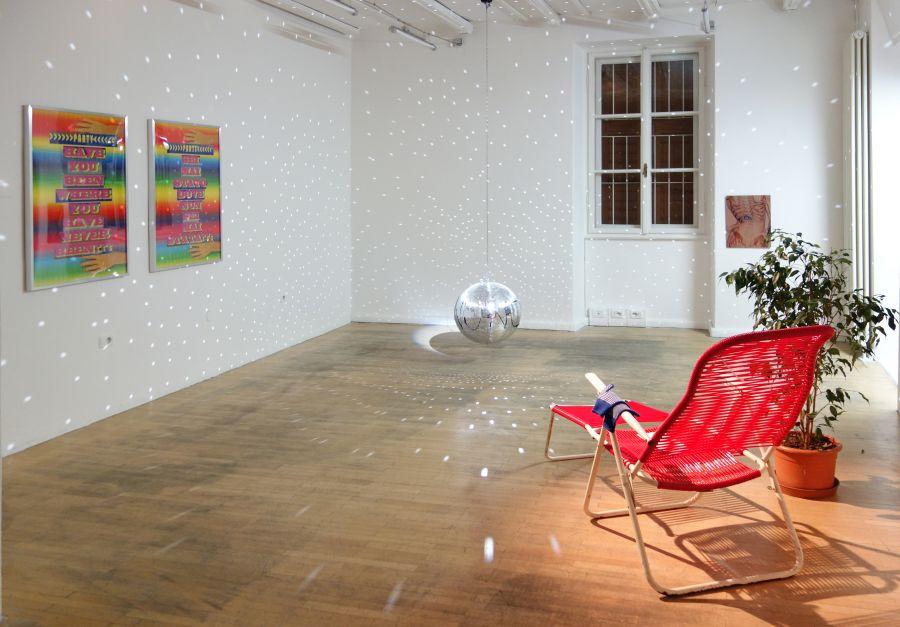 AVVENTURE ALPINE NON EUCLIDEE, 2015. Exhibition view. Courtesy Boccanera, Trento