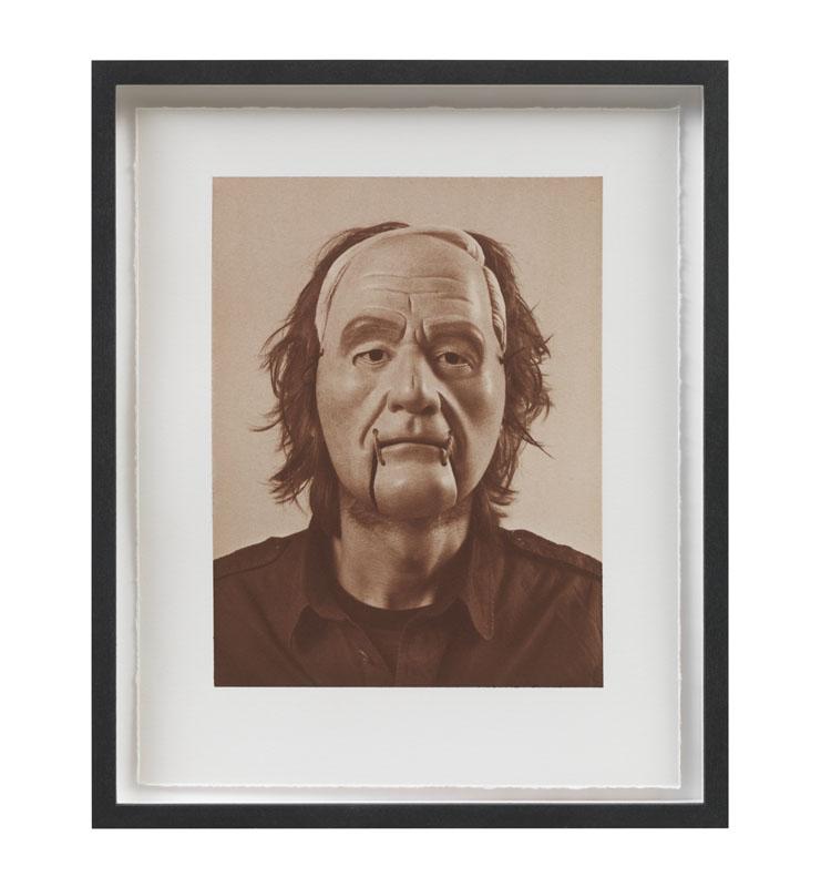 Simon Starling,  Self Portrait (as Henry Moore)  (in collaborazione con Yasuo Miichi), 2011. Criso-uranotipo, 18,8 x 14,5 cm  (Foto di Sebastiano Pellion di Persano. Courtesy dell'artista e Galleria Franco Noero, Torino)
