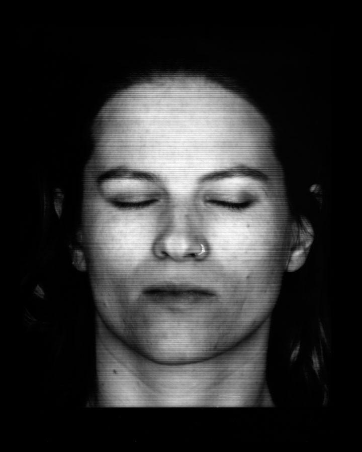 """Anna Lena Radlmeier, Self-portrait, 2011. Collimatografia, stampa a contatto, 24,4 x 29,6 cm (Courtesy dell'artista)  [Nota bene: le """"collimatografie"""" sono immagini ottenute con il """"collimatografo"""", una specie di scanner analo- gico creato da A. L. Radlmeier]"""
