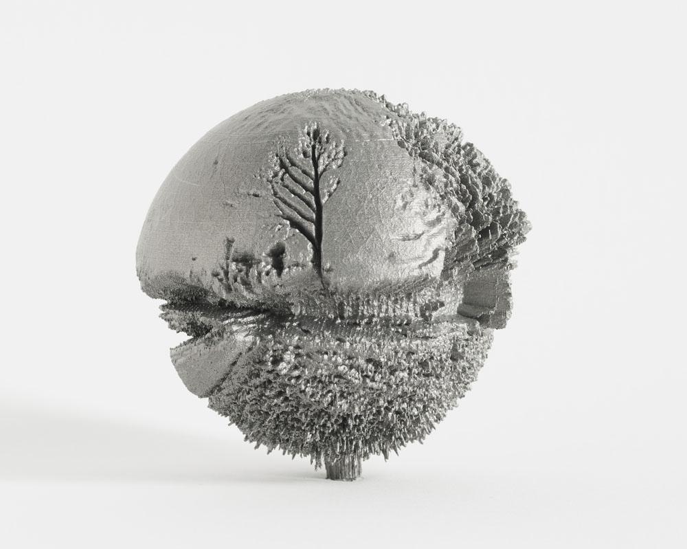 """Ives Maes, 50°58'56""""N x 5°22'17""""E, 2014. Stampa 3D in titanio, Ø 10 cm  (Courtesy dell'artista e Melotte 3D Printing, Zonhoven)"""