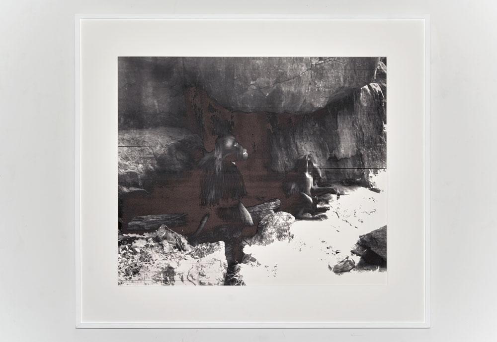 Carlos Vela-Prado, Primates, 2012. Stampa fotografica e serigrafia su carta Hahnemühle, 122 x 140 x 4,5 cm (con cornice) (Courtesy dell'artista)