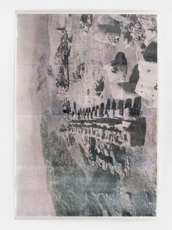 Justin Matherly, untitled (peasant), 2013. Monotipo a getto d'inchiostro, vernice spray trasparente anti-UV, 185,4 x 129,5 cm (Courtesy Galleria Paula Cooper, New York)