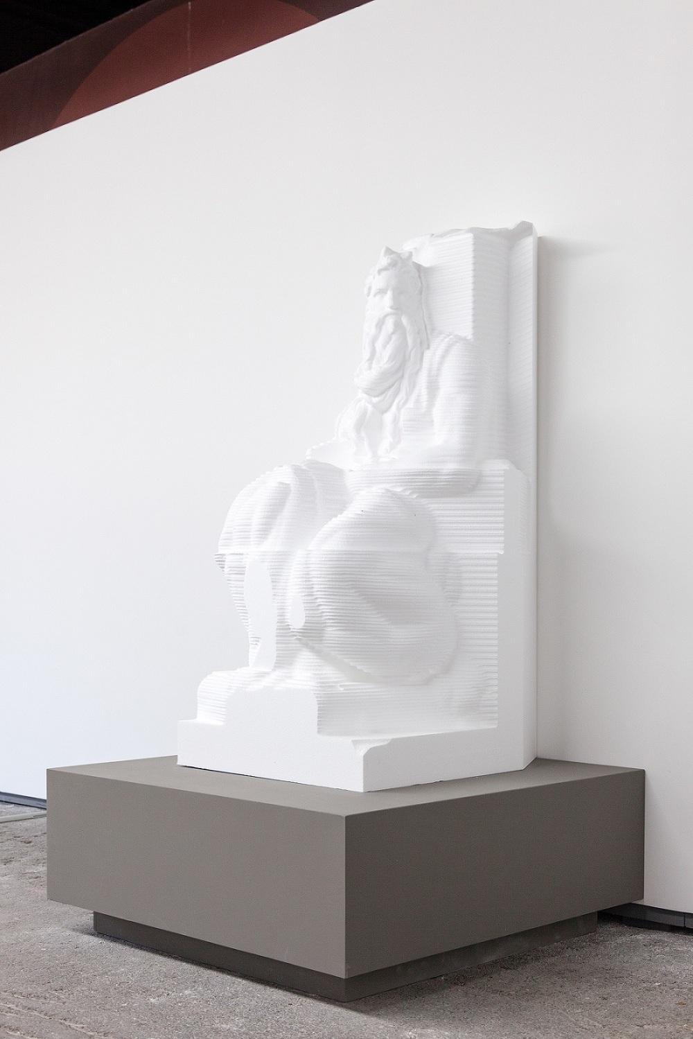 The Cool Couple, A Kind of Display, Prophet, 2015, fresatura da modello 3D, polistirolo, cm 170x90x70 © The Cool Couple, courtesy Metronom/Viasaterna