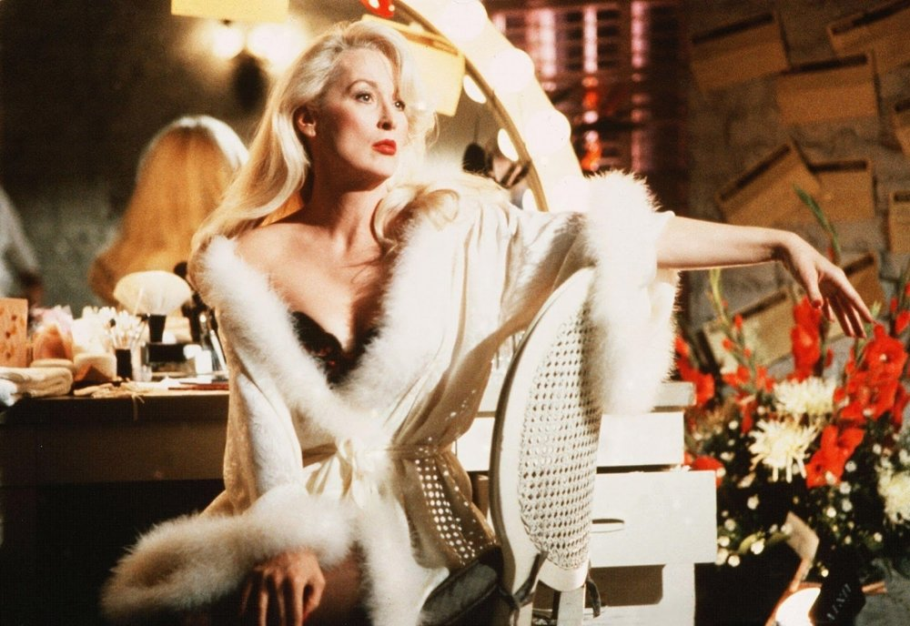 Title: Death Becomes Her  Director: Robert Zemeckis  Year: 1992  Track:  I'd Rather Die