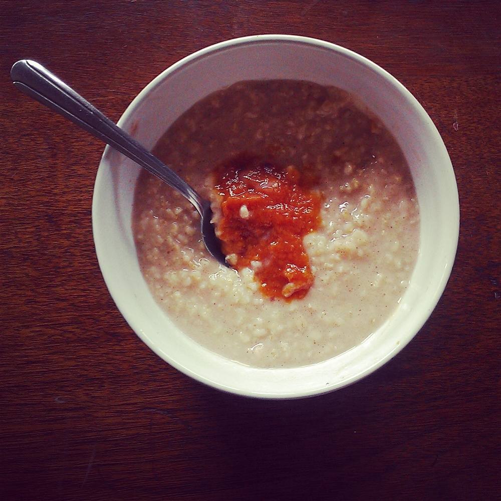 oatmeal with peach butter