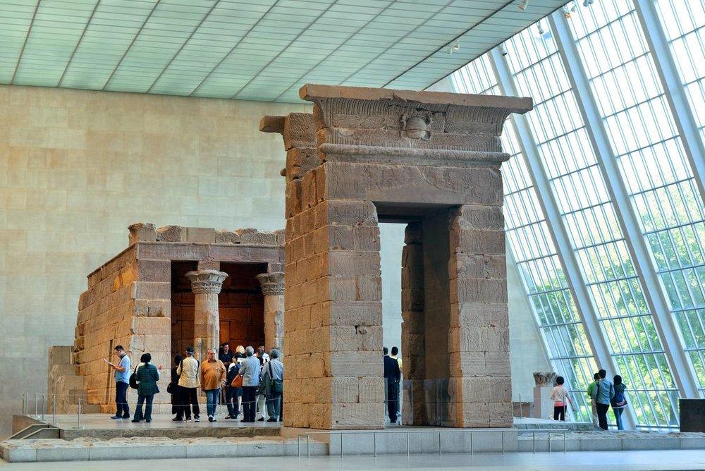 5-metropolitan-museum-of-art-interior-4.jpg