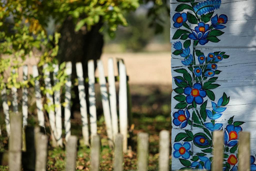 Garden and folk painting, Zalapie, Poland