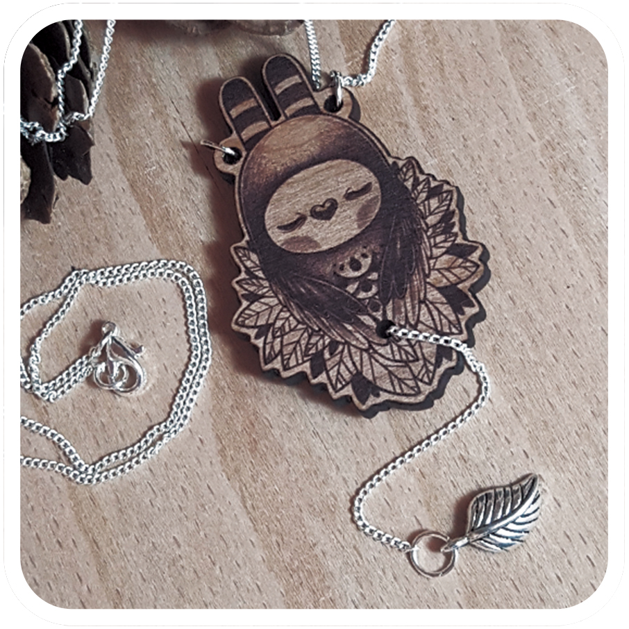 tomodachiisland_necklace_wood_slumbering_guardians.jpg