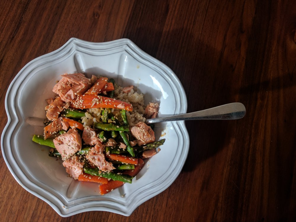 Salmon with Asparagus, Carrots, and Brown Rice