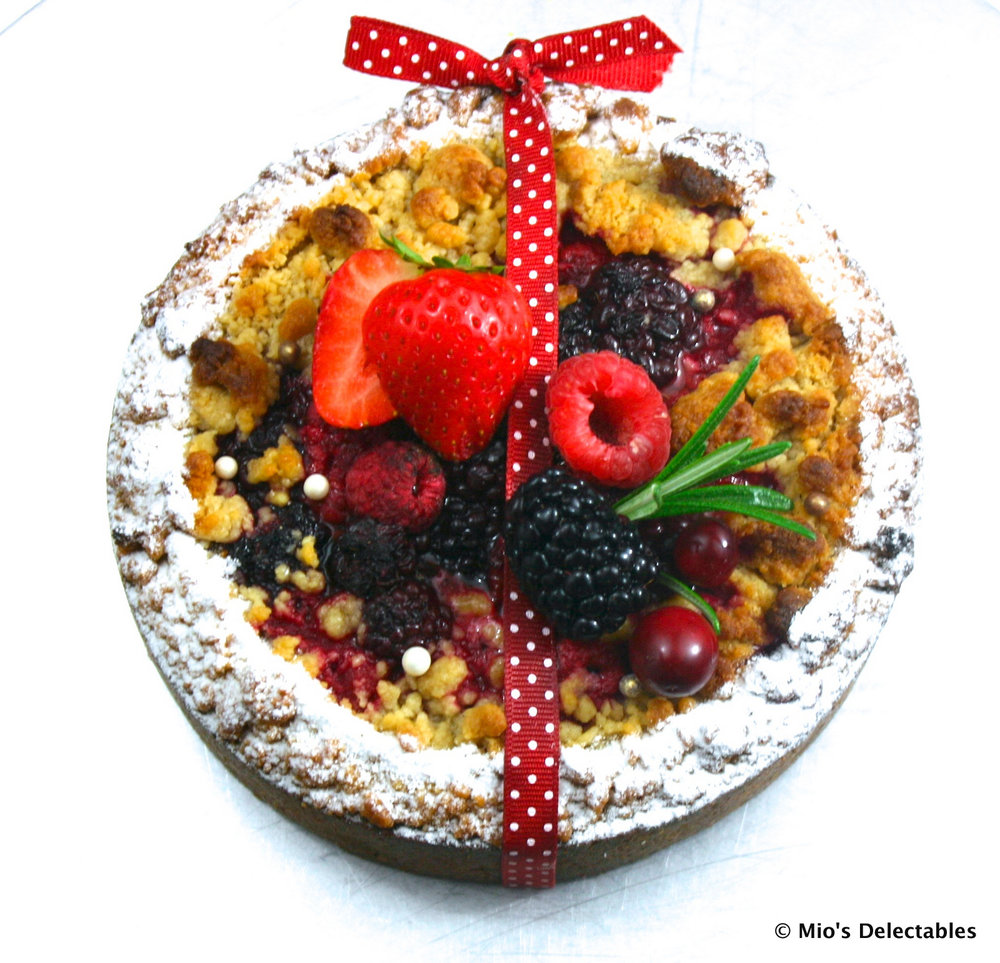 "Berry Crumble Tart 5.5"" $26.00 / 6.5"" $29.50"