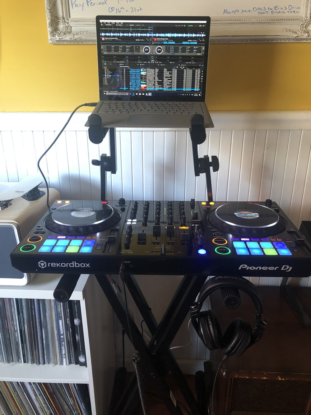 My new PioneerDJ DDJ-1000 in my home office.
