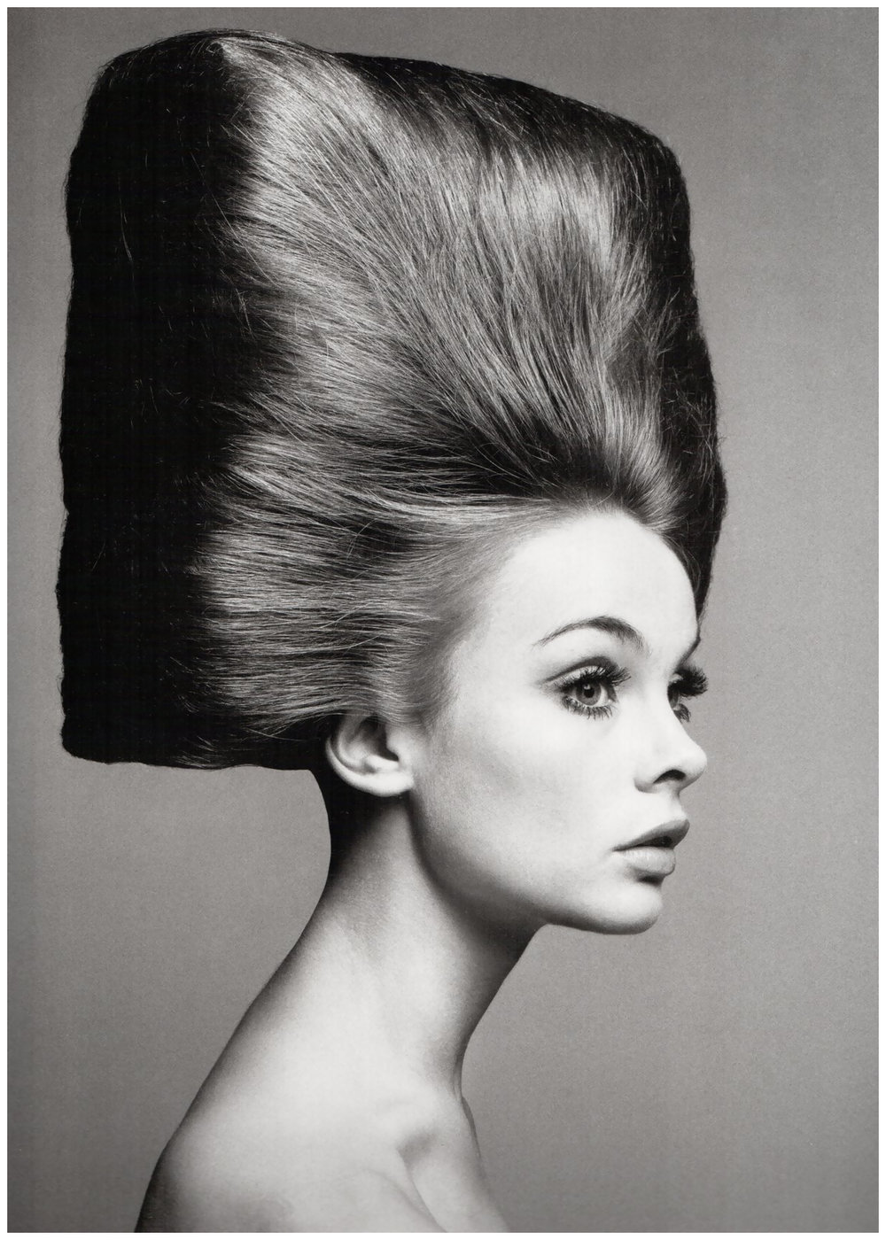 11-richard-avedon-for-vogue-us-in-the-august-1965-issue.jpg