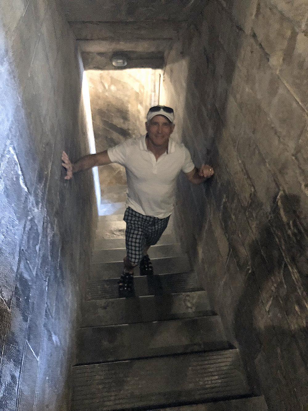 2018 ITALY_firenze_duomo steps_david.jpg