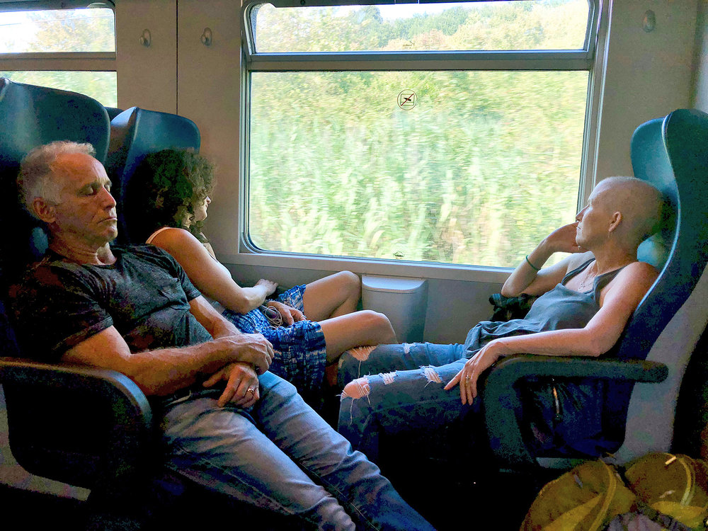 2018 ITALY_firenze_dave_sara_dana_train ride to CT.jpg