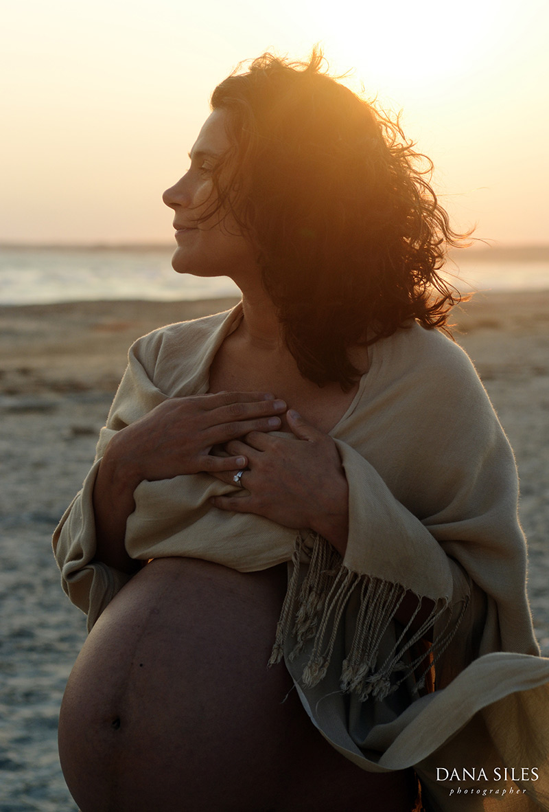 pregnancy-portrait-horseneck-beach-ma