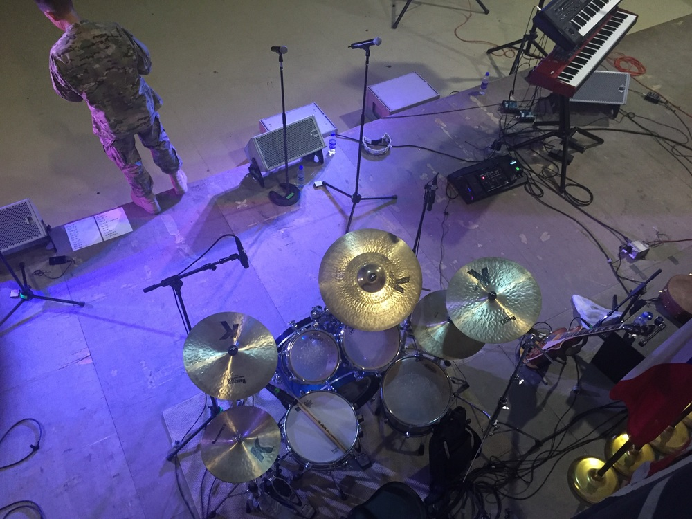 The rig: Yamaha Absolute Maple Custom, DW Collectors series snare and an assortment of Zildjian K's, including my favorite 21 '' Hybrid Ride.