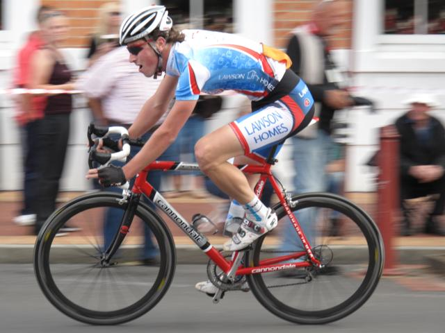Lawson Homes ProCyclingKit IMG_4622_640x480.jpg