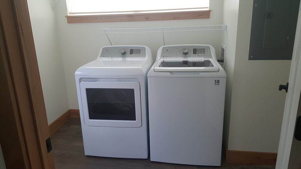 828 Woodford wahser and dryer.jpg