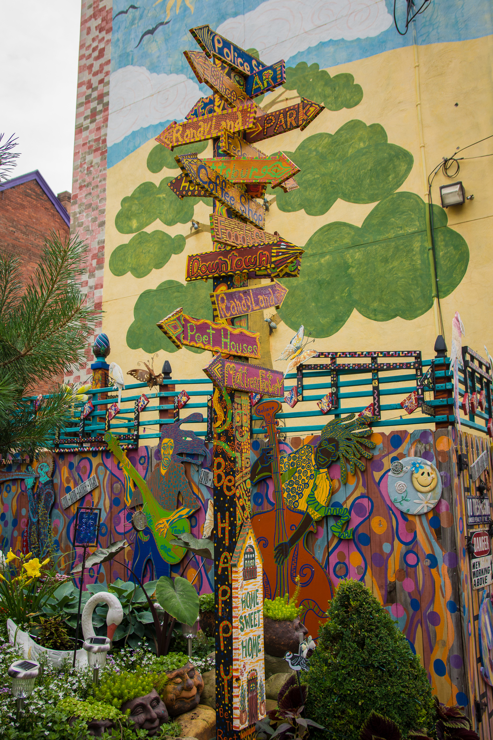 All roads lead to Randyland.