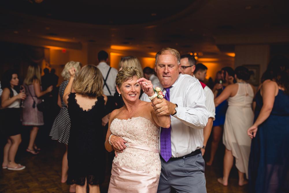 Philadelphia_Wedding_Photographer_9-26-15-20.jpg