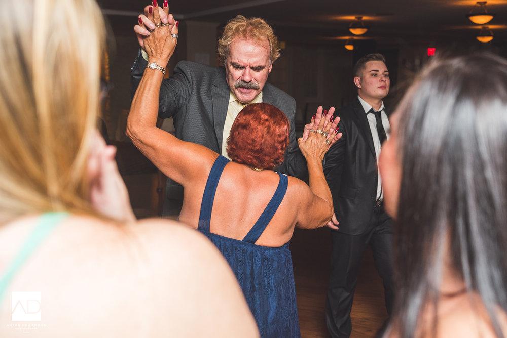 Flourtown_Country_Club_Wedding-0033.jpg