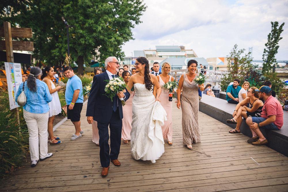 Moshulu-Wedding-Photographer-0022.jpg