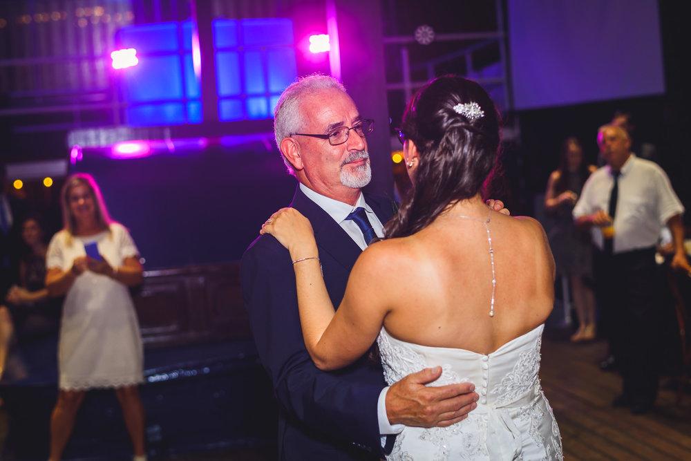 Moshulu-Wedding-Photographer-0054.jpg