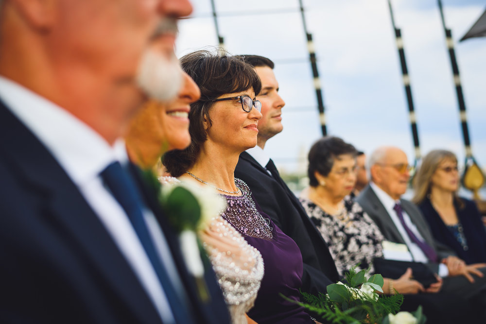 Moshulu-Wedding-Photographer-0035.jpg