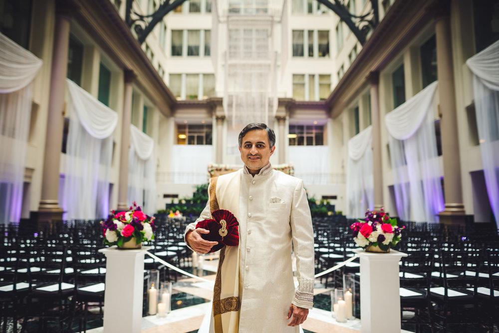 Curtis-Center-Wedding-Photographers-in-Philadelphia-0001.jpg