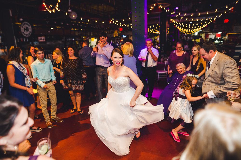 Reading-Terminal-Market-Wedding-Photographers-in-Philadelphia