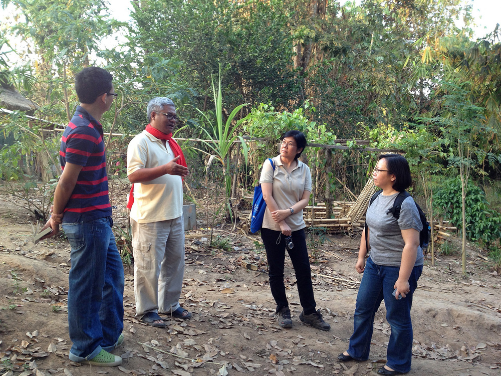 Discussing the water usage in Fung Na community