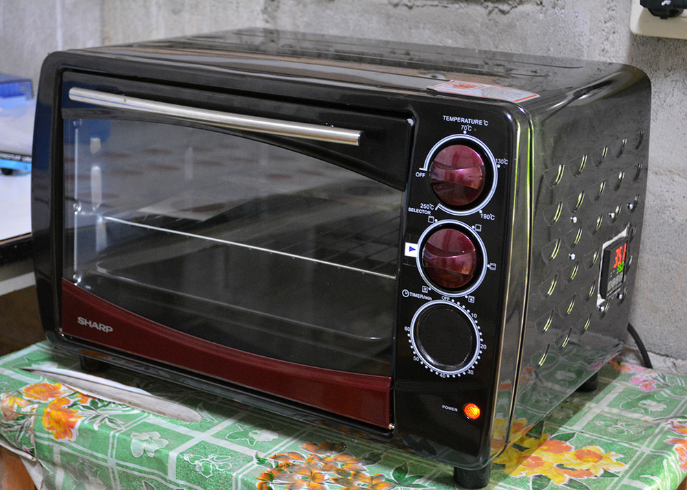 A customized incubator, engineered by Nuttakorn